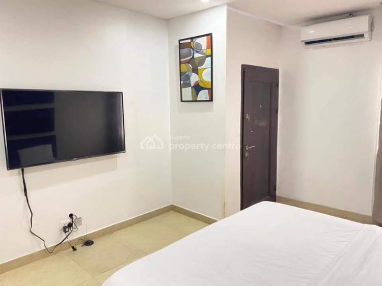 1 Bedroom Luxury Apartment, Chevron Area, Lekki Phase 2, Lekki, Lagos, Mini Flat Short Let