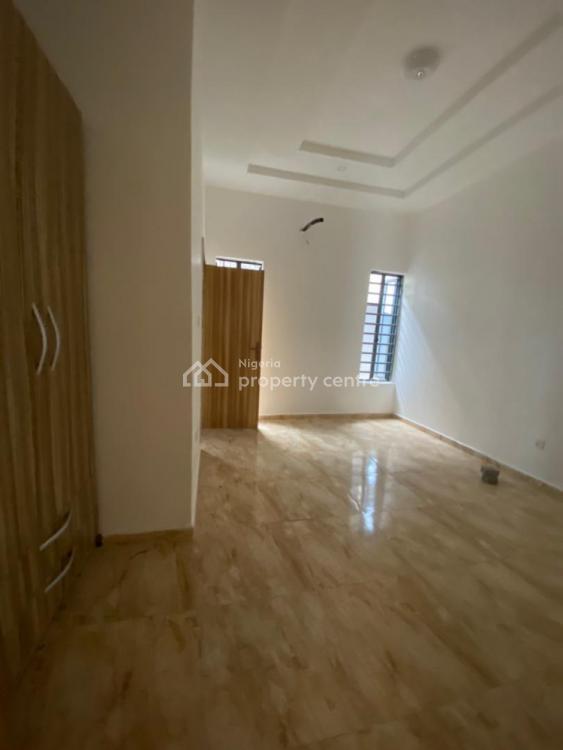 2 Bedroom Apartments, Ologolo, Lekki, Lagos, Flat for Sale
