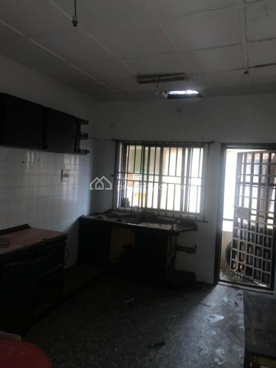 Lovely 3 Bedroom Flat, Gra, Omole Phase 2, Ikeja, Lagos, Flat for Rent
