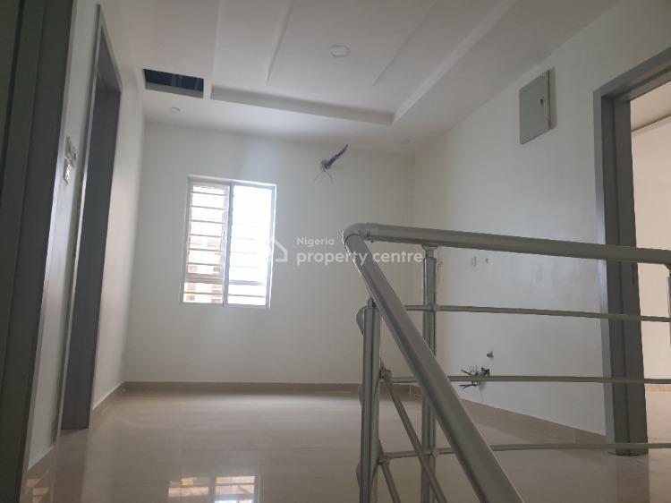 Four Bedrooms Terrace with 24 Hours Power, Lafiaji, Lekki, Lagos, Terraced Duplex for Sale