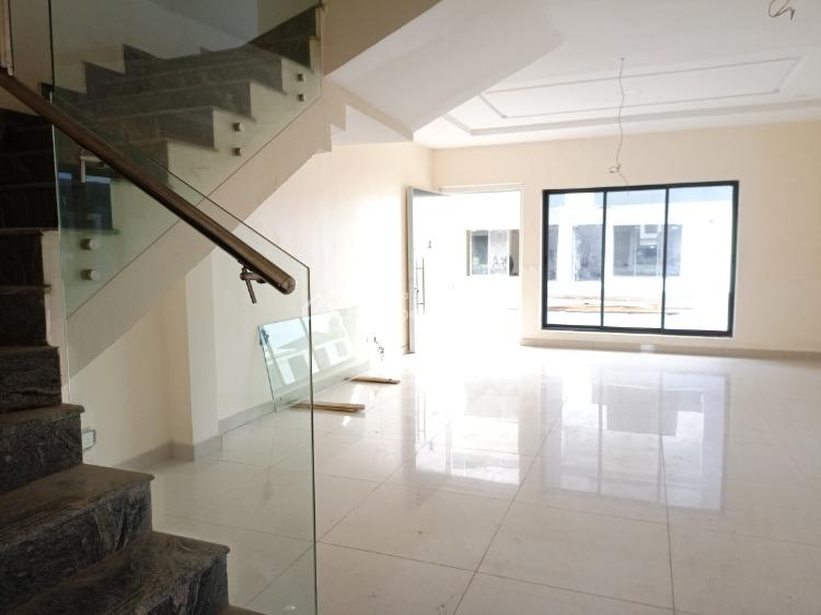 4 Bedrooms Duplex with Bq, Well Built and Exquisitely Finished, Off Admiralty Way, Lekki Phase 1, Lekki, Lagos, Terraced Duplex for Sale