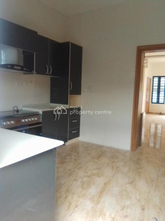 2 Bedrooms Apartment with Spacious Rooms and Compound, Jakande Axis, Lekki Phase 2, Lekki, Lagos, Block of Flats for Sale