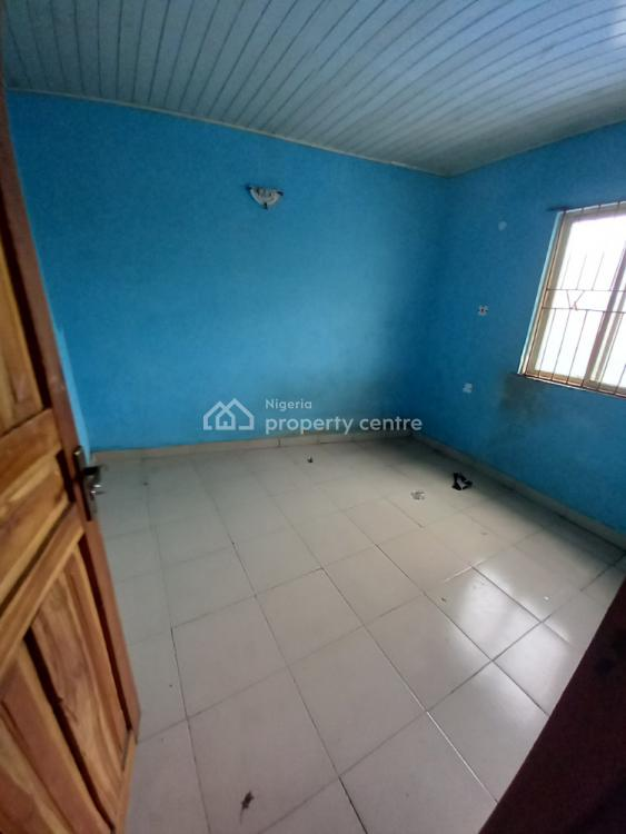 a Very Clean & Spacious 2 Bedroom Flat, Off Pedro Road., Palmgrove, Shomolu, Lagos, Flat / Apartment for Rent