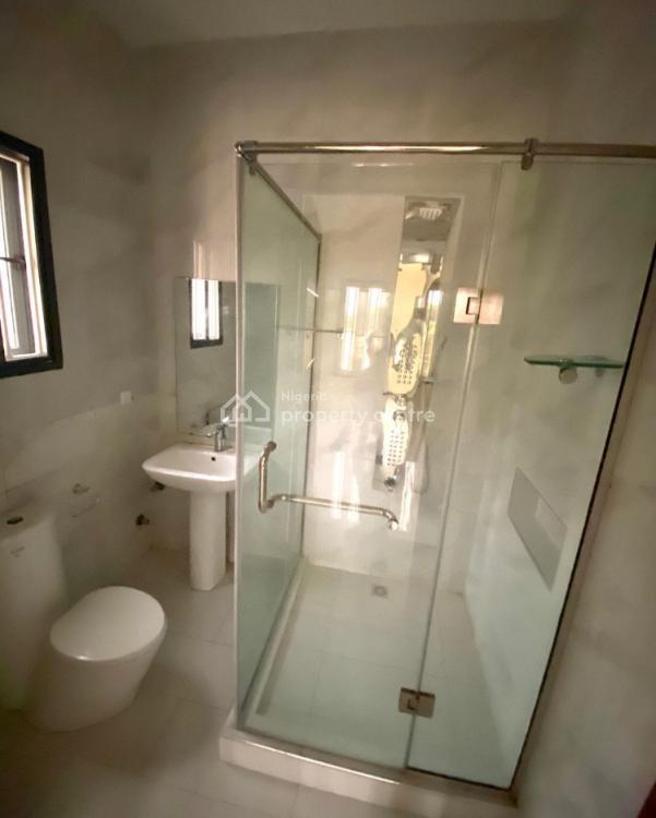 3 Bedrooms Flat with a Bq, Lekki Phase 1, Lekki, Lagos, Flat / Apartment for Sale