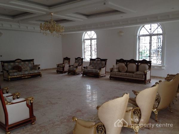 For sale white house 16 rooms 4 sitting room beautiful for Beautiful sitting rooms