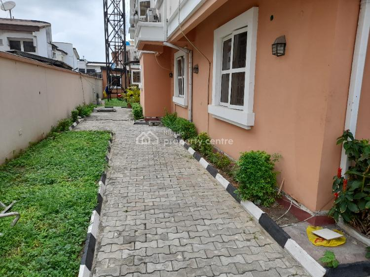 Amazing 4 Bedroom Apartment in a Great Environment., Lekki Phase 1, Lekki, Lagos, Flat / Apartment for Rent