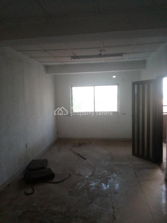 Strategic Big Open Space Whole Floor in a Good Location on Tarred Road, Beside Phch Office, Near Jaiz Bank, Dugbe (onireke), Ibadan North-west, Oyo, Office Space for Rent