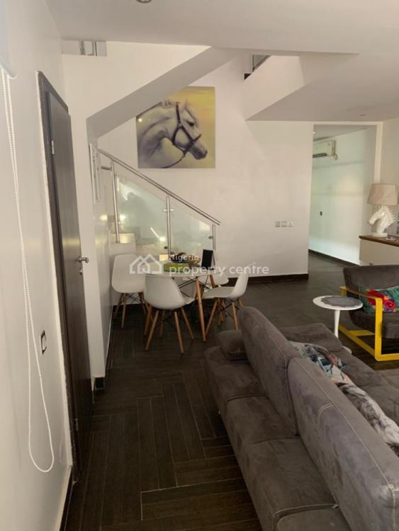 3 Bedroom Penthouse Flat, Oba Amusa Estate, Agungi, Lekki, Lagos, Flat / Apartment for Sale