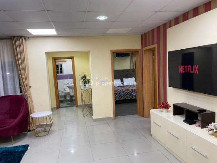 S & S Sphere Apartment, Balarabe Musa Crescent, Victoria Island (vi), Lagos, Flat / Apartment Short Let