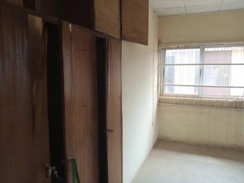 3 Bedroom Flat, Fountain Street, Baruwa, Ipaja, Lagos, Flat / Apartment for Rent