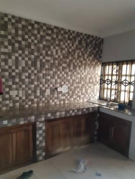 Executive 3 Bedroom Flat, Off Pedro Rd Famous Bus Stop, Shomolu, Lagos, Flat / Apartment for Rent