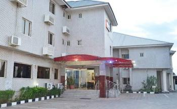 Luxury 50 Spacious Rooms Hotel and Other Facilities, Jabi Lake View, Jabi, Abuja, Hotel / Guest House for Sale