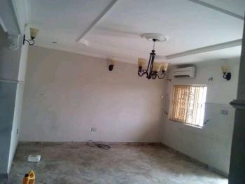 Nice 3 Bedrooms Flat, Association Avenue, Shagisha, Magodo, Lagos, Flat / Apartment for Sale
