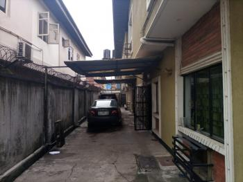 Lovely 3 Bedroom Flat, Ogunlana, Surulere, Lagos, Flat / Apartment for Rent