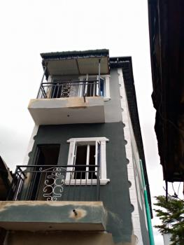 Roomself Con, Ishola St, Adekunle, Yaba, Lagos, Self Contained (single Rooms) for Rent