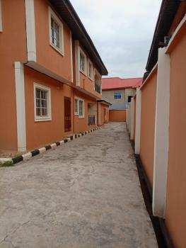 Lovely 2 Bedrooms Flat, Magboro, Ogun, Flat / Apartment for Rent