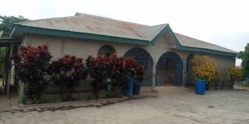 4 Plots of Land + 4 Bedrooms Bungalow, Along Airport Road, Ilorin South, Kwara, Detached Bungalow for Sale