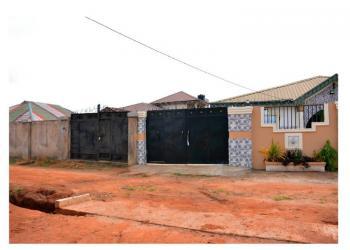 Well Built 4 Bedroom Bungalow in a Good Location, Agunfoye  Igbogbo, Igbogbo, Ikorodu, Lagos, Detached Bungalow for Sale