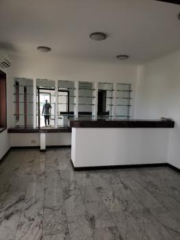 Luxury 4 Bedrooms Penthouse Apartment, Off Adeola Odekun, Victoria Island (vi), Lagos, Flat / Apartment for Rent