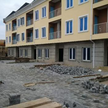 4 Bedroom, Omole Phase 1, Ikeja, Lagos, 4 bedroom, 5 toilets, 4 baths Terraced Duplex for Sale