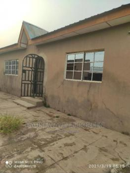 4 Bedrooms Bungalow and 2 Bedroom Bq, Aare Avenue, Oluyole Main Estate, Ibadan South-west, Oyo, Detached Bungalow for Sale