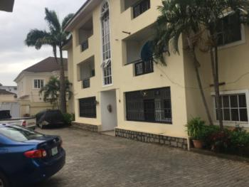 Service 2 Bedroom, Close to Omaga Plaza, Wuse 2, Abuja, Flat / Apartment for Rent