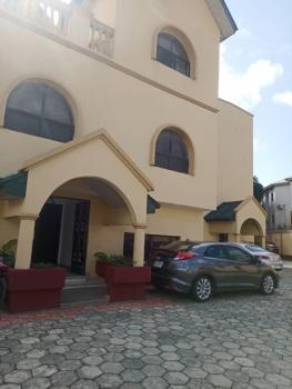 3 Bedroom Penthouse Apartment with Bq, Lekki Phase 1, Lekki, Lagos, Flat / Apartment for Rent
