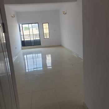 Spacious Serviced Three Bedroom Apartment, 7, Saki Close, Agungi, Lekki, Lagos, Flat / Apartment for Rent