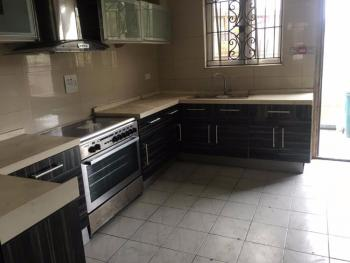 3 Bedroom Terrace in Estate, Yaba, Lagos, Flat / Apartment for Rent