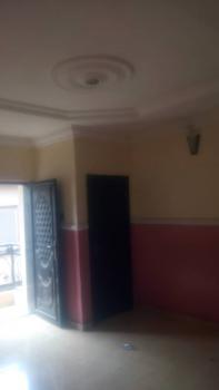 Nice Three Bedroom, Shomolu, Lagos, Flat / Apartment for Rent
