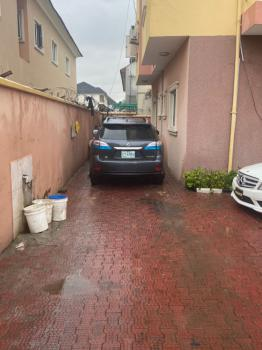 Serviced and Well Maintained 2 Bedroom Apartment, Gated Environment, Lekki Phase 1, Lekki, Lagos, Flat / Apartment for Rent