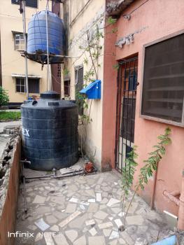 Flat at Iponri Estate, Iponri Estate, Iponri, Surulere, Lagos, Flat / Apartment for Sale