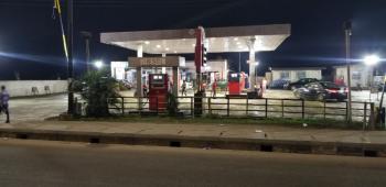 Filling Station, Along Ikorodu Road, Irawo, Kosofe, Lagos, Filling Station for Sale
