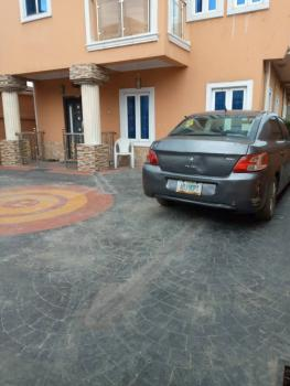 Decent 2bed Room Flat at Alagomeji, Alagomeji, Yaba, Lagos, Flat / Apartment for Rent
