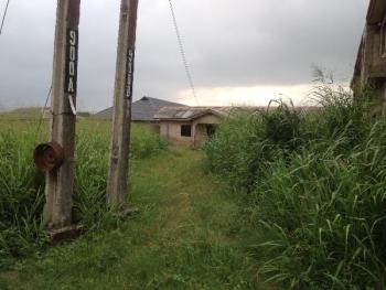 A Plot Of Land With A Structure, Ibeshe, Ikorodu, Lagos, Residential Land for Sale