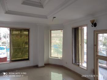 Decent Renovated 2 Bedroom Apartment, Off Palace Road, Oniru, Victoria Island (vi), Lagos, Flat / Apartment for Sale