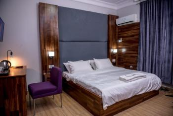 Luxury 2 Bedrooms Apartment, Jemibewon Road, Ibadan, Oyo, Flat / Apartment Short Let