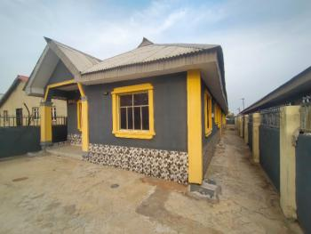 a Room and Parlor, Muwo Nla Along Ijede Rood, Ikorodu, Lagos, Flat / Apartment for Rent