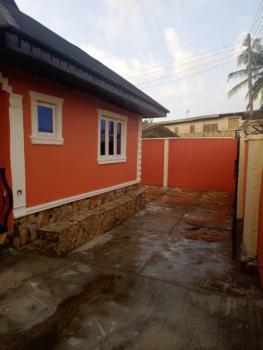 Superb 3 Bedroom Apartment in Urban Area, Abatakan Estate, Ojoo, Ibadan, Oyo, Flat / Apartment for Rent