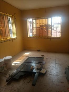 Lovely Spacious 2 Bedroom Flat with Prepaid Meter ( Upstairs), Yaba, Lagos., Yaba, Lagos, Flat / Apartment for Rent