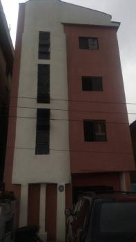 Office Space, Directly Opposite Adekunle Bus Stop, Adekunle, Yaba, Lagos, Office for Rent