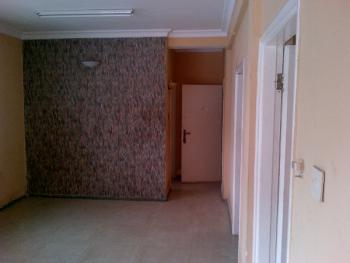 1 Bedroom Flat In A Good Condition, Onikan, Lagos Island, Lagos, 1 bedroom, 1 toilet, 1 bath Mini Flat for Rent