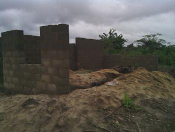 Hotel & Bar Complex, Along Agbowa Ikosi Beach Road, Ado Village, Agbowa, Ikorodu, Lagos, Hotel / Guest House Joint Venture