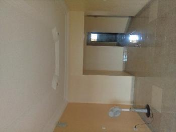 Spacious 2 Bedroom, 24 Crescent, Off 2nd Avenue, Gwarinpa Estate, Gwarinpa, Abuja, Flat / Apartment for Rent