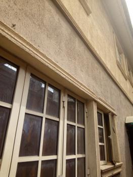 Beautiful 2 Bedroom, Adekunle, Yaba, Lagos, Flat / Apartment for Rent