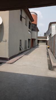 Comfortable 3 Bedroom, Sabo, Yaba, Lagos, Flat / Apartment for Rent
