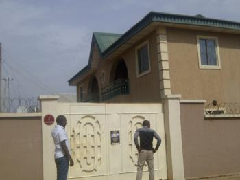 2 Bedrooms, 4 Flats, in One Very Sweet Good Looking House, Angwa Boro Gra, Close to Nnpc, Kaduna South, Kaduna, Flat for Sale