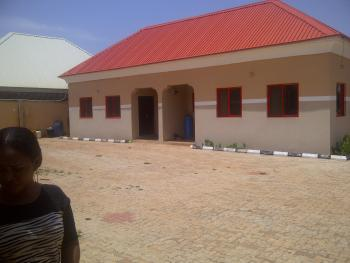 2 Bedrooms, 4 Flats, in One Place, Angwa Boro Gra, Close 2 Nnpc, Kaduna South, Kaduna, Flat for Sale