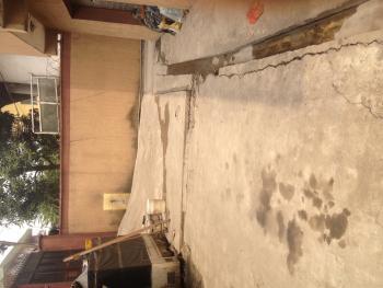 Spacious 2bed Upstairs Akoka, Off Akoka Road Yaba, Akoka, Yaba, Lagos, Flat / Apartment for Rent