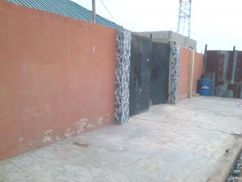 a Lovely Clean Roomself Con @ Onike Close to Unilag Second Gate, Close to Unilag, Onike, Yaba, Lagos, Flat / Apartment for Rent